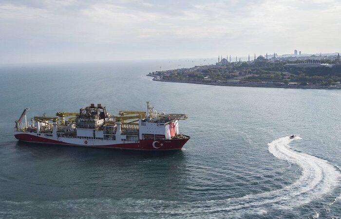 Турция направила буровые суда на освоение газоносного шельфа в Черном море