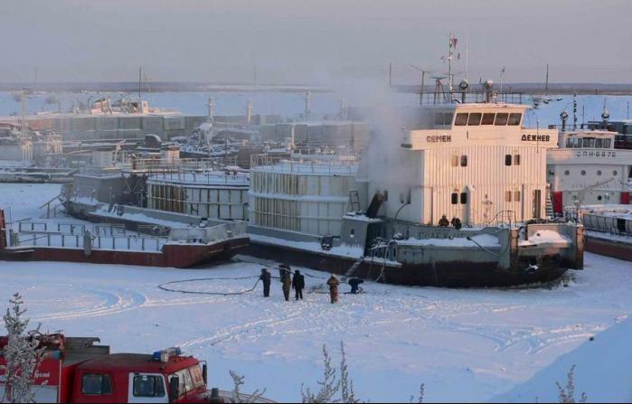 Пожар на речном танкере: есть пострадавшие